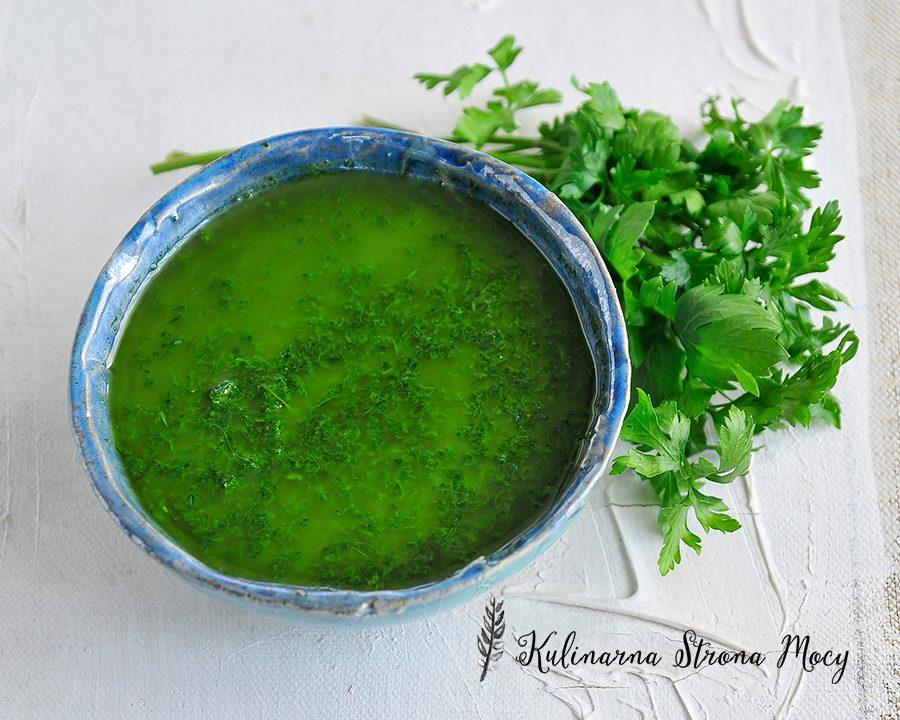 pesto z zielonej pietruszki