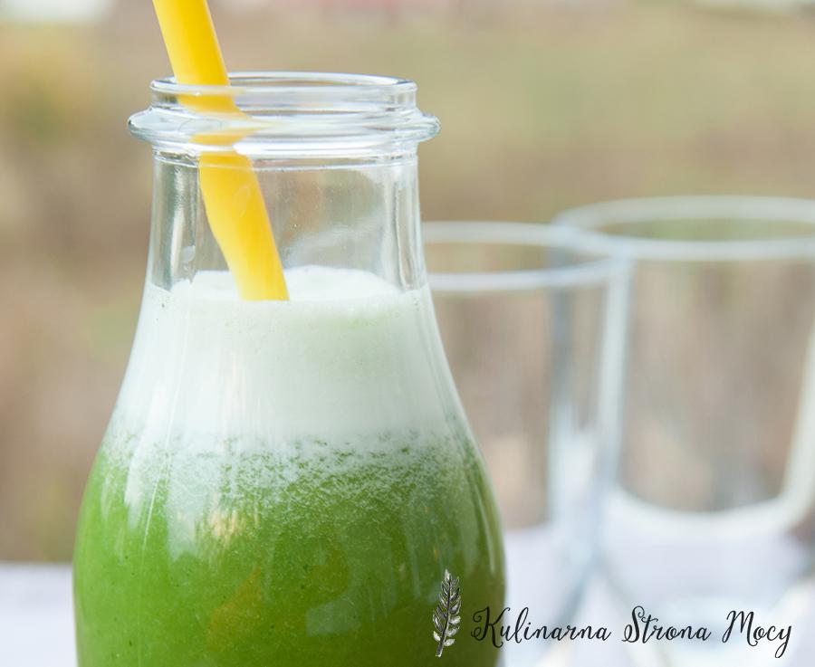 smoothie z zielonej pietruszki