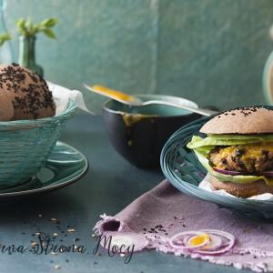Wegeburgery z czarnej fasoli