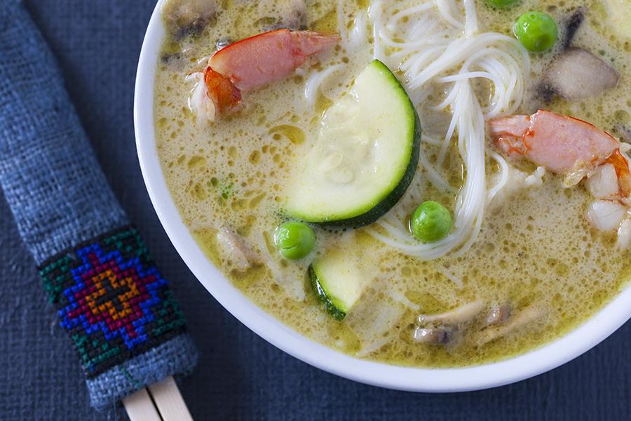 zupa tajska zupa z ielonego curry, zielone curry, kuchnia tajska