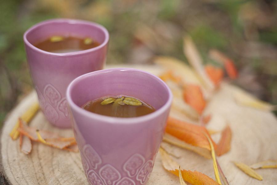 rozgrzewająca herbata zkurkumy, herbata, kurkuma