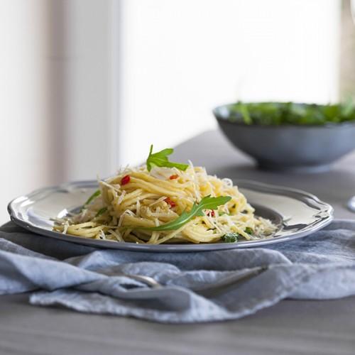 spaghetti z rukolą i cytryną