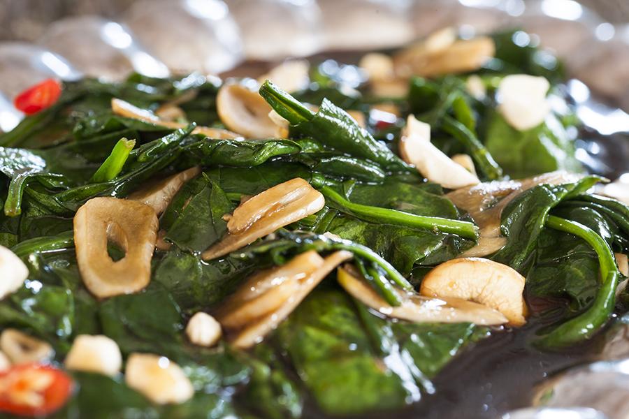 kuchnia tajska, szpinak zsosem ostrygowym